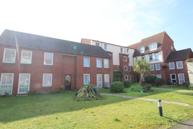 Thumbnail Flat to rent in Green Road, Southsea