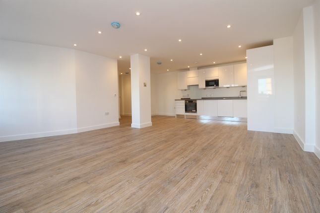 Thumbnail Flat for sale in High Street, Colchester