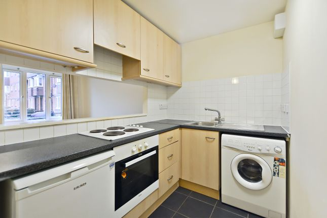 Thumbnail Flat to rent in Achilles Close, London