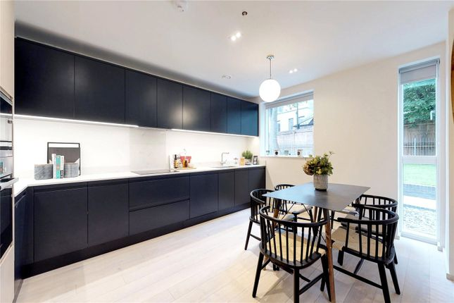 Thumbnail Terraced house for sale in Clifford Terrace, London