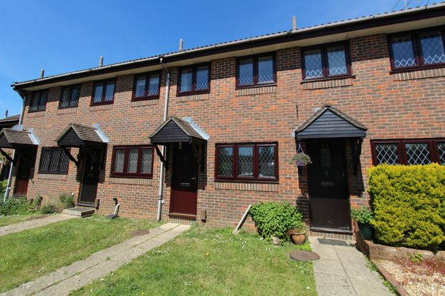 Thumbnail Terraced house to rent in Linden Drive, Liss