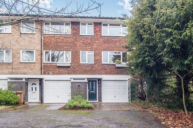 Thumbnail Terraced house for sale in Worcester Road, Sutton
