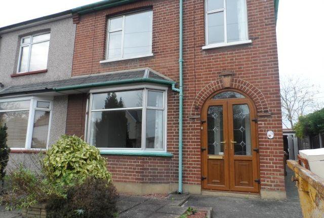 3 bed semi-detached house to rent in Van Diemans Road, Chelmsford CM2