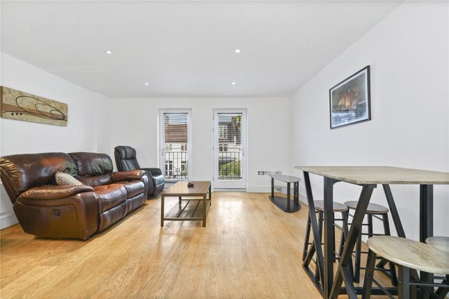 Thumbnail Flat to rent in Denning Mews, Temperley Road, Nightingale Triangle, London