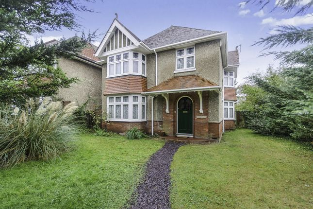 Thumbnail Detached house for sale in Raymond Road, Shirley, Southampton
