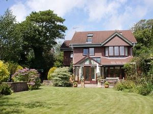5 bedroom detached house for sale in 35 Hillgrove, Caswell, Swansea