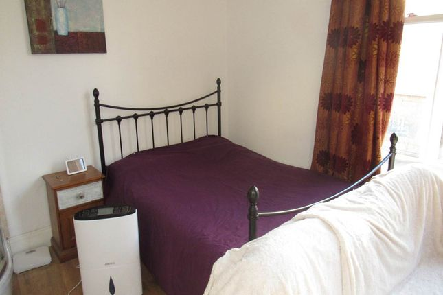 Thumbnail Room to rent in Byron Place, Clifton, Bristol