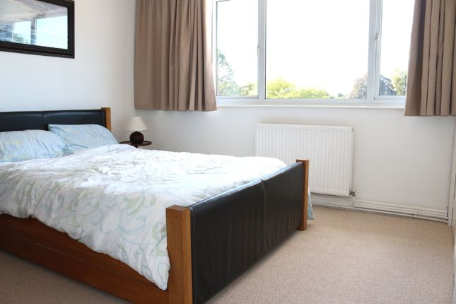 Thumbnail Flat to rent in Coventry Road, Marton, Rugby
