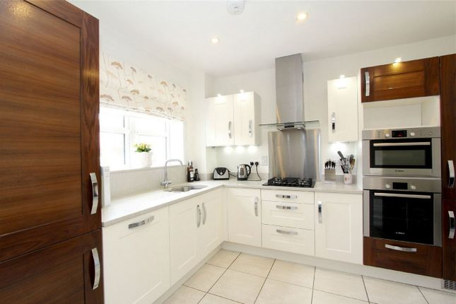 Thumbnail Town house for sale in King Harry Lane, St Albans, Hertfordshire