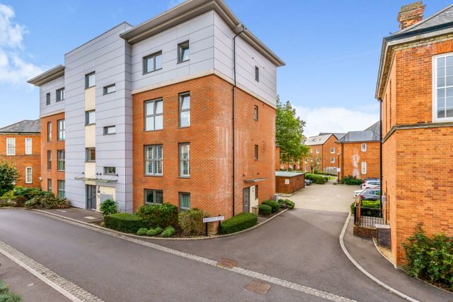 2 bed flat for sale in Longley Road, Chichester PO19