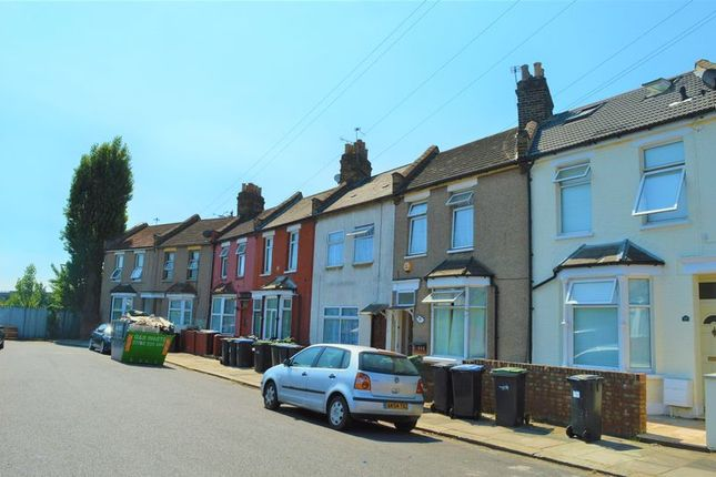 Thumbnail Terraced house to rent in Rays Avenue, London