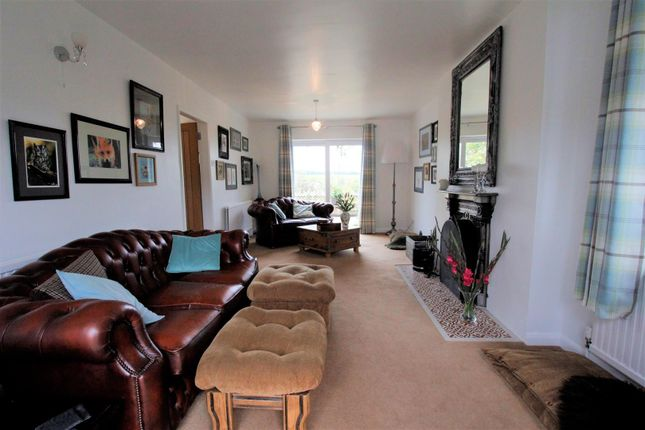 Lounge (5) of Station Road, Castle Bytham, Grantham NG33