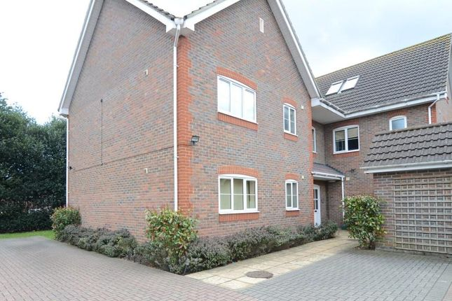 Thumbnail Flat to rent in Chapel Lane, Farnborough