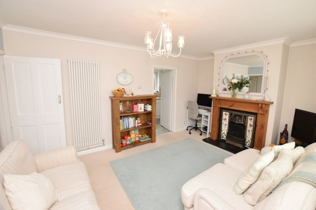 Thumbnail Flat for sale in Sandycombe Road, Kew, Richmond, Surrey