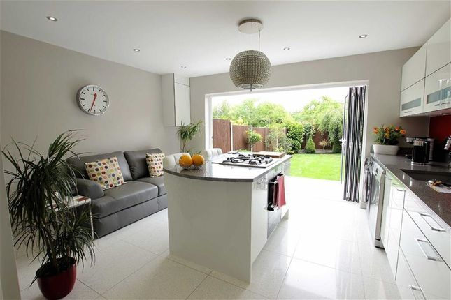Thumbnail Town house for sale in Mount View, Enfield, Middlesex