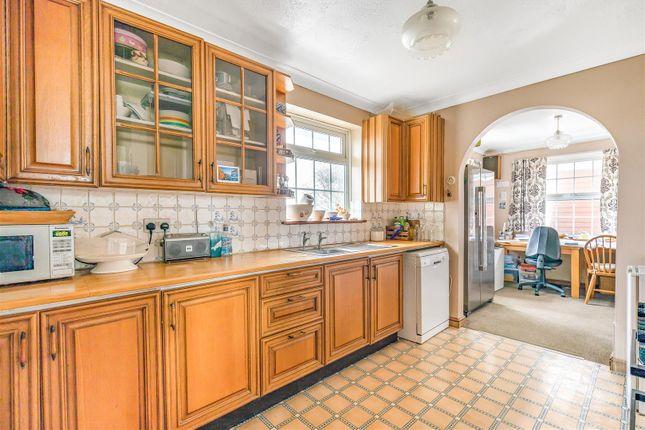 Kitchen Alt of Brighton Road, Lancing BN15