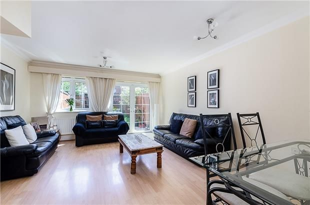 Thumbnail Town house for sale in Central Road, Morden, Surrey