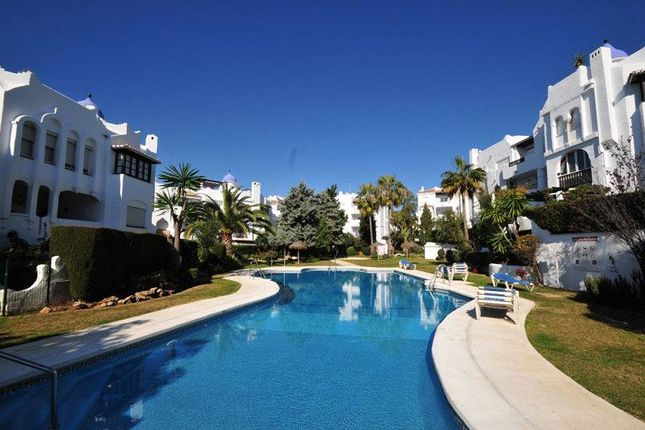 2 bed apartment for sale in Calahonda, Mijas Costa, Mijas, Málaga, Andalusia, Spain