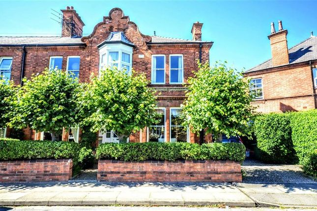 Thumbnail Property for sale in Abbey Drive West, Grimsby