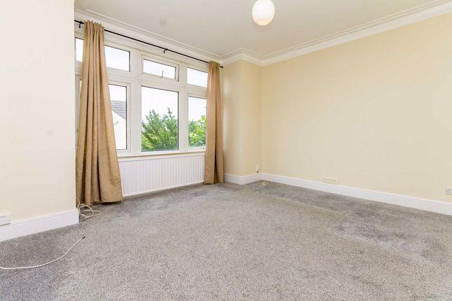 Thumbnail Flat to rent in Kingsley Avenue, London