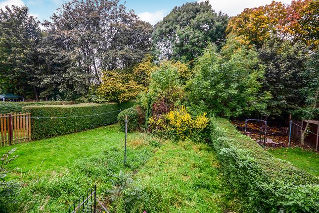 Photography of Deerlands Avenue, Sheffield, South Yorkshire S5