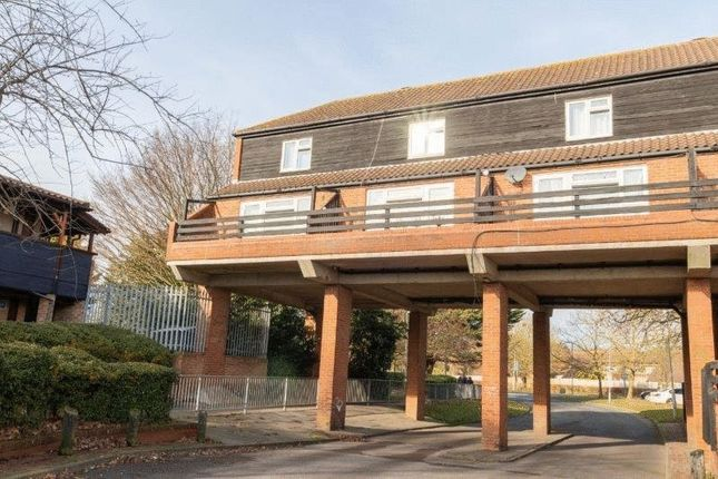 1 bed flat to rent in Felmores End, Pitsea, Basildon SS13