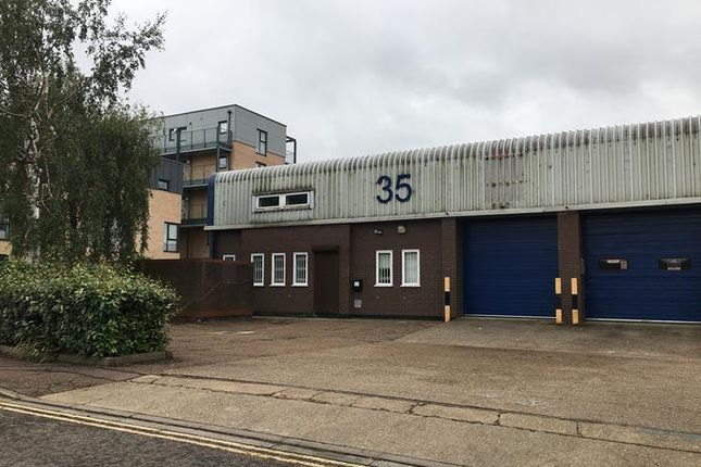 Thumbnail Warehouse to let in Clifton Road, Cambridge