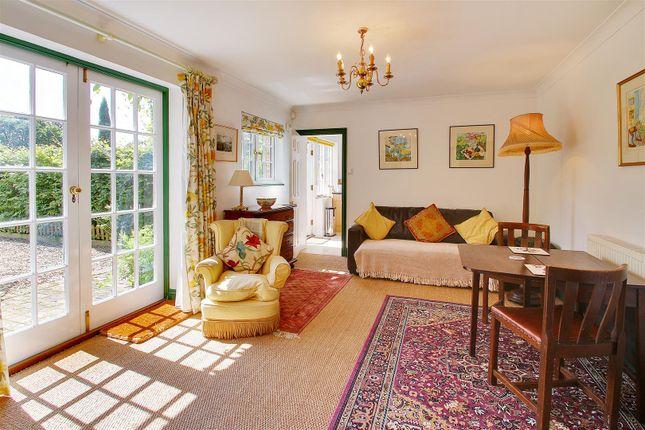 Thumbnail Cottage to rent in Hammer Lane, Vines Cross, Heathfield