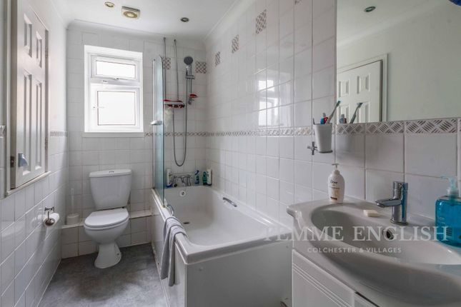 2 bed semi-detached house to rent in Cleveland Close, Highwoods CO4