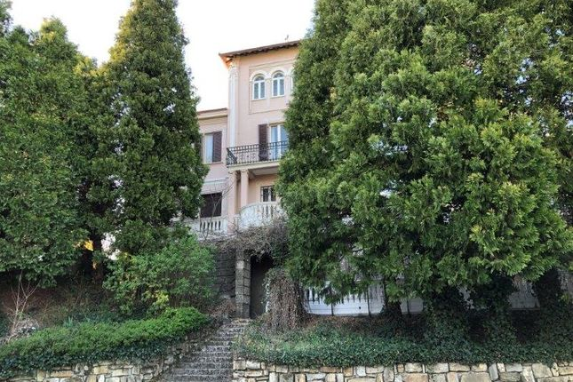 Country house for sale in Prestigious Villa With Annex A Castelletto, Garden And Park, Piedmont, Italy