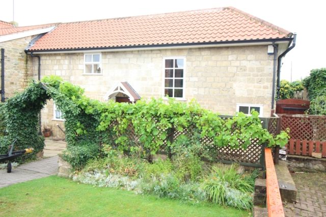 3 bed barn conversion for sale in Forest Hill Park, Worksop