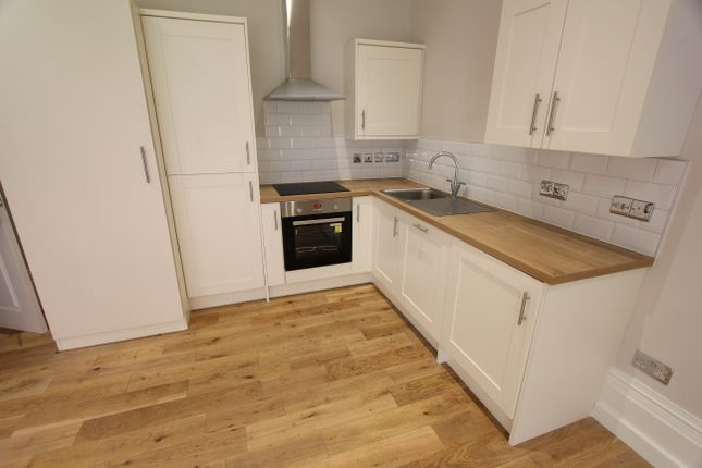 Thumbnail Flat to rent in Welholme Avenue, Grimsby, Lincolnshire