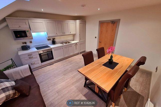 2 bed flat to rent in University Street, Belfast BT7
