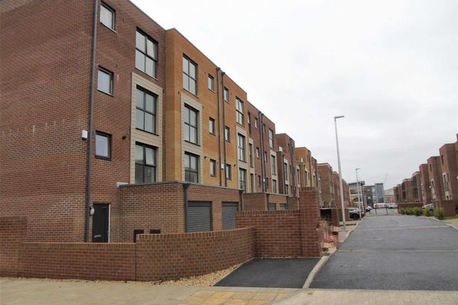 4 bed town house for sale in Oceans Reach, Langdon Road Marina, Swansea SA1