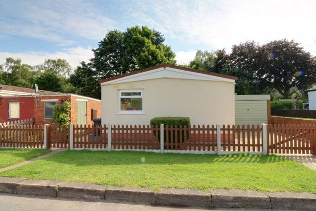 Thumbnail Mobile/park home for sale in First Avenue, Ashfield Park, Scunthorpe