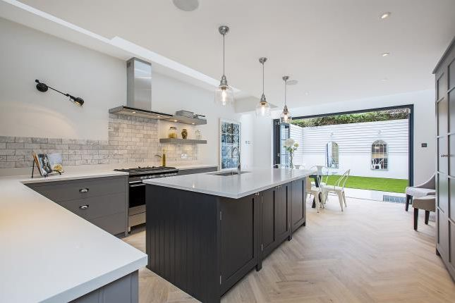 Thumbnail Terraced house to rent in Bramfield Road, London