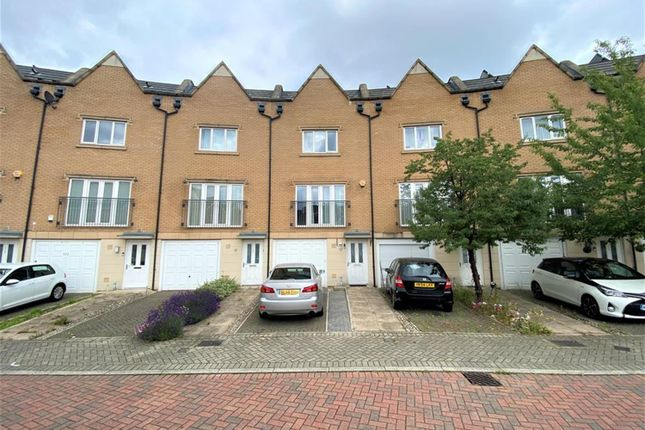 Thumbnail Town house for sale in Varcoe Gardens, Hayes, Middlesex