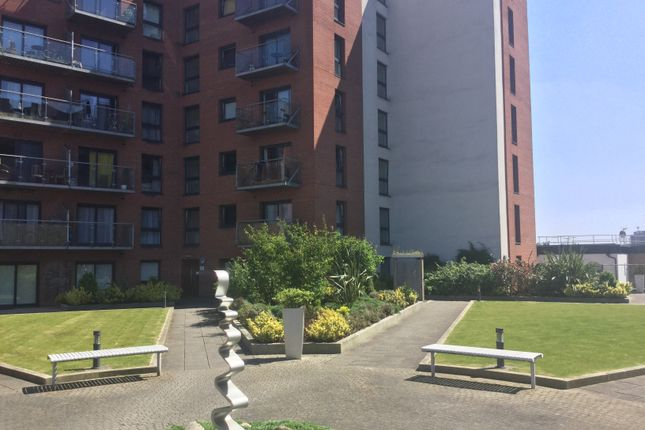 Thumbnail Flat to rent in 175 Broughton Lane, Salford