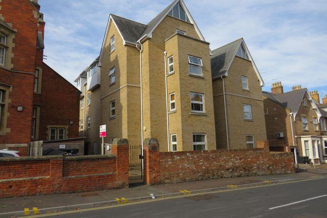 Thumbnail Flat to rent in Billet Street, Taunton