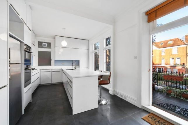 Thumbnail Flat to rent in Compayne Gardens, West Hampstead