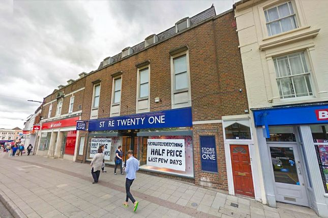 Thumbnail Retail premises for sale in 13-17 Bank Street, Essex