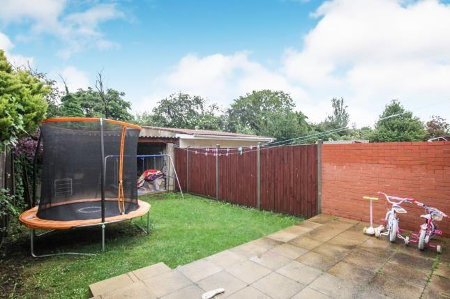 Garden of Wilsden Avenue, Luton, Bedfordshire, . LU1
