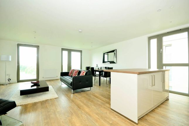Thumbnail Flat to rent in Waterside Park, Royal Docks