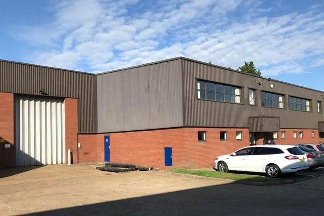 Thumbnail Warehouse to let in Heron Industrial Estate, Basingstoke Road, Spencers Wood, Reading