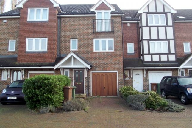 Thumbnail Town house for sale in Stirling Close, Sidcup