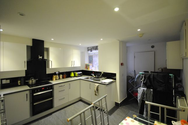 Thumbnail Terraced house to rent in 65 Headingley Mount, Headingley, Leeds, Headingley