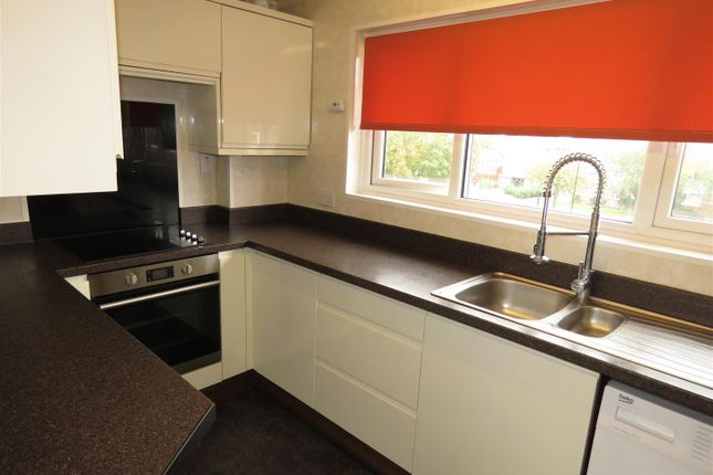 Thumbnail Flat to rent in Skelton Walk, Woodhouse, Sheffield