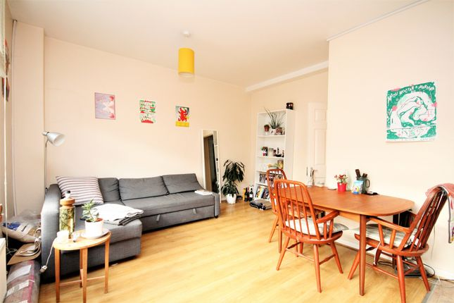 1 bed flat to rent in Chatsworth Road, Clapton E5