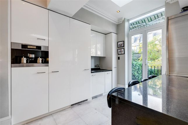Kitchen of Lancaster Road, Notting Hill, London W11