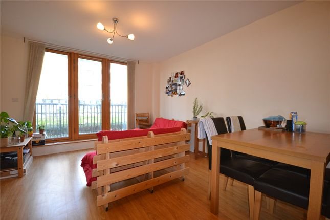 Thumbnail Flat to rent in The Crescent, Bristol